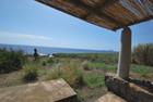 Casetta spiaggia Punta Lena Stromboli - Casetta sul mare nell'isola di Stromboli Punta Lena con terreno in vendita