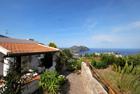 Villa su due livelli Monte Lipari - Vendesi villa su due livelli a Lipari contrada Monte, villa panoramica e silenziosa