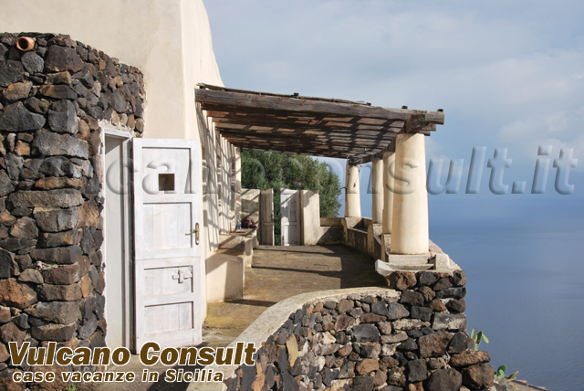 Indipendent house on sale in Alicudi, Serro Pagliaro area