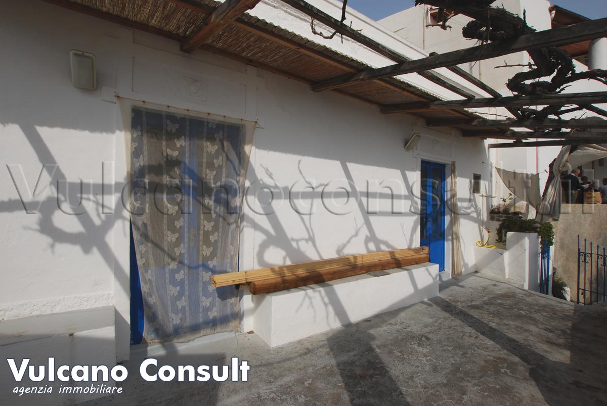 Casa eoliana sul mare ad Alicudi