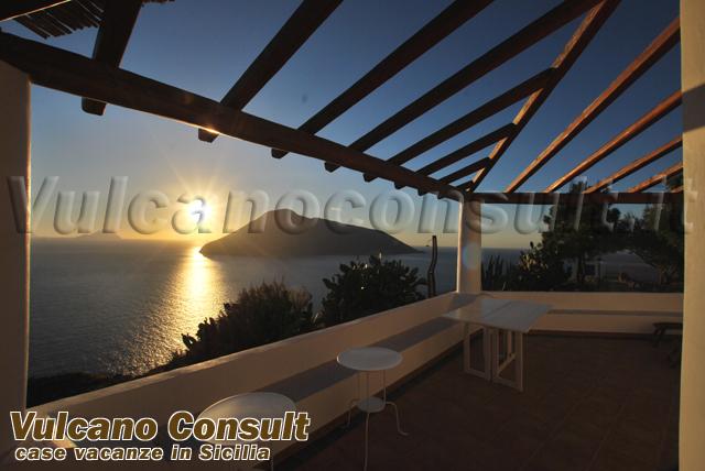 Villa del tramonto Quattropani Lipari da 2000
