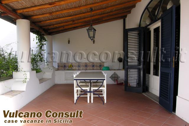 terrazzo piano terra / giardino / ingresso