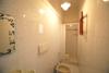 piccolo bagno con doccia