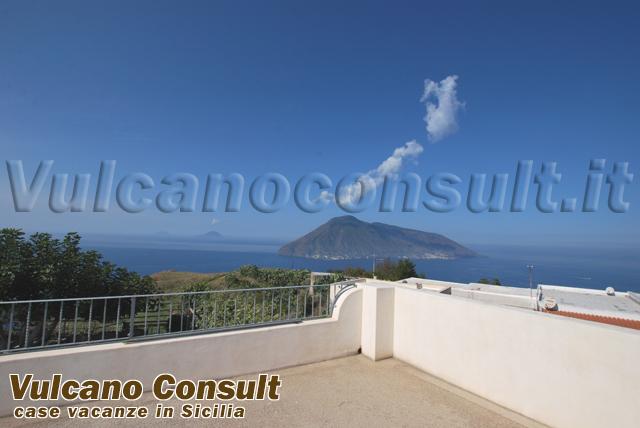 Vendesi casa panoramica in localita' Quattropani Lipari