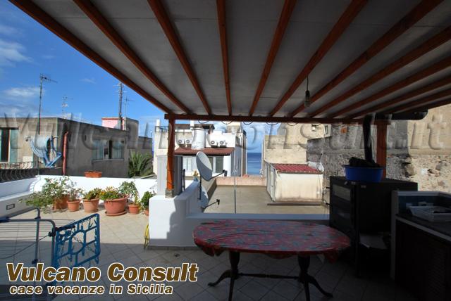 terrazzo coperto / mare