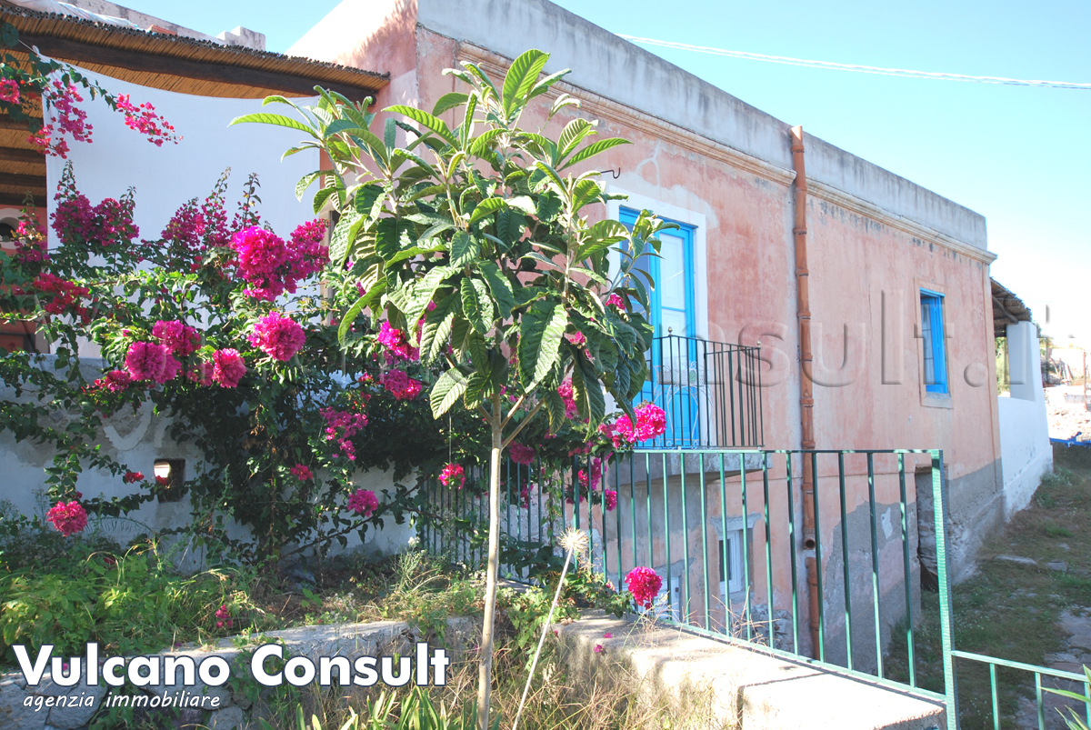 Vendesi casa Pomiciazzo Canneto Lipari