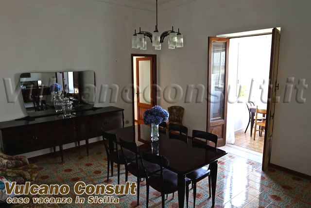 Apartment to sell in Lipari, Maddalena road.