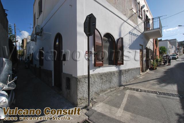 Vendesi Casa Zinzolo Lipari