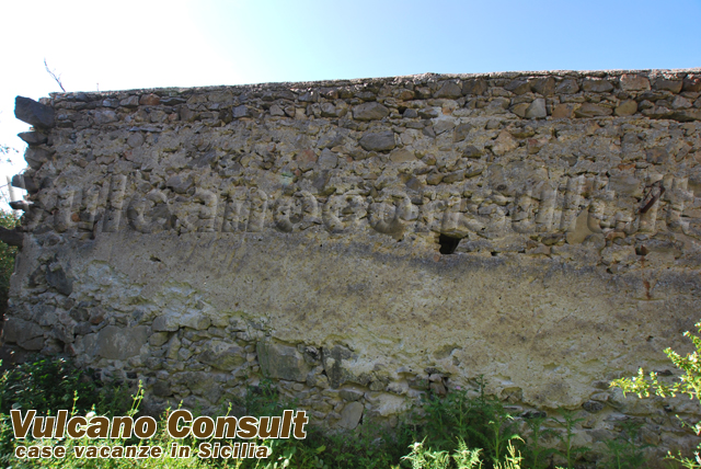 House  to be restored in Lipari, Acquacalda