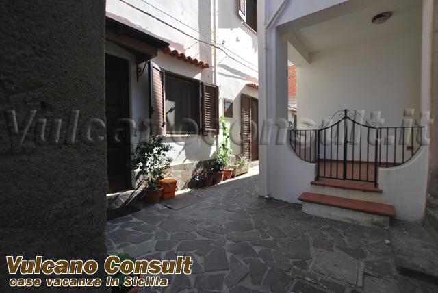 Vendesi casa via baracca Canneto Lipari