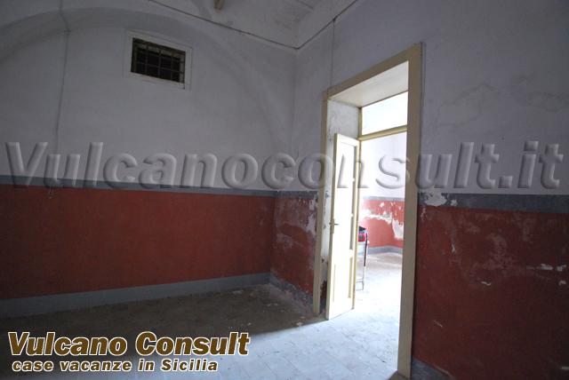 House to sell in via Garibaldi, Canneto, Lipari