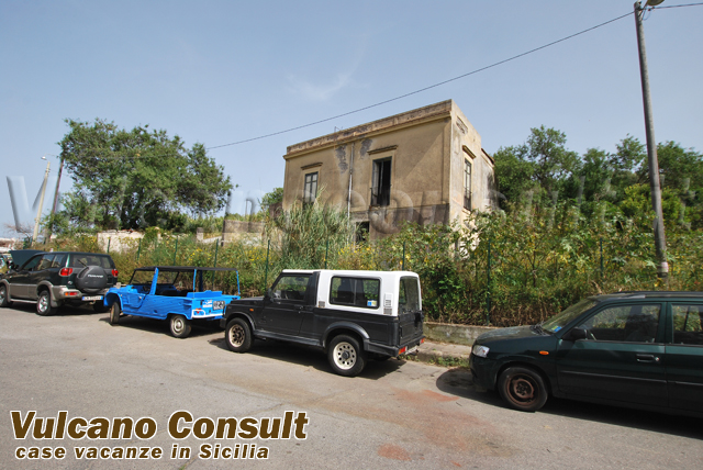 Villa with terrain suitable for building to sell in Lipari