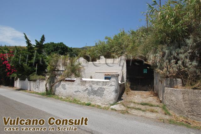 Vendesi casa indipendente Collo Pirrera Lipari