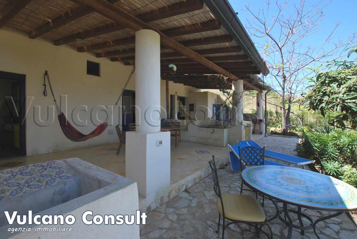 tipical aeolian house for sale Lipari Montegallina