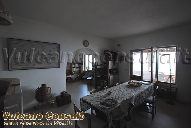 Vendesi casa Porticello Lipari