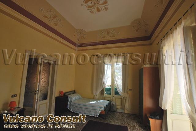 Camera Da Letto Antica Vendesi A Roma : Vendesi villa antica lipari id