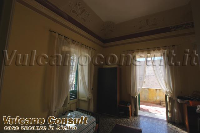 Vendesi villa antica Lipari