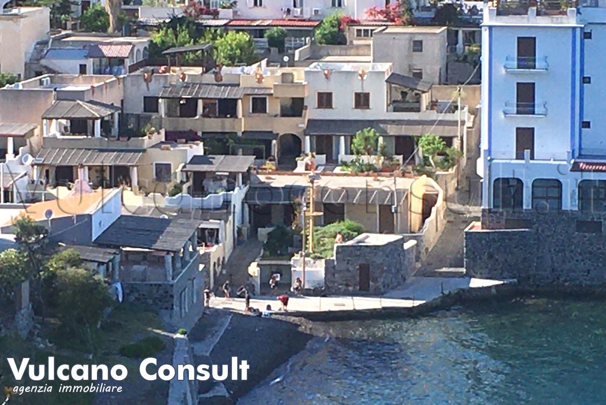 Vendesi casa Porto delle Genti Lipari