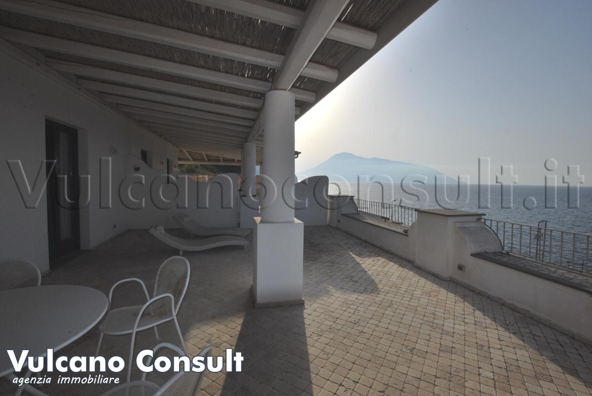 Appartamento vista mare Acquacalda Lipari