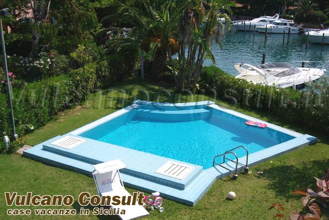 Porto rosa ville ed appartamenti per vacanze portorosa for Ville con piscina immagini