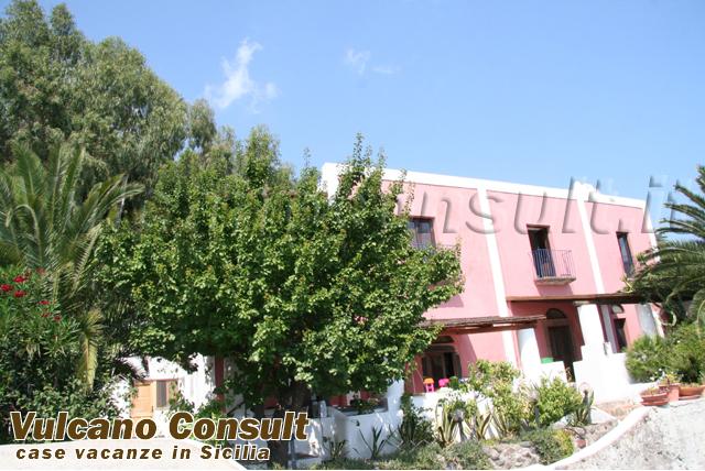 Villa con piscina Salina