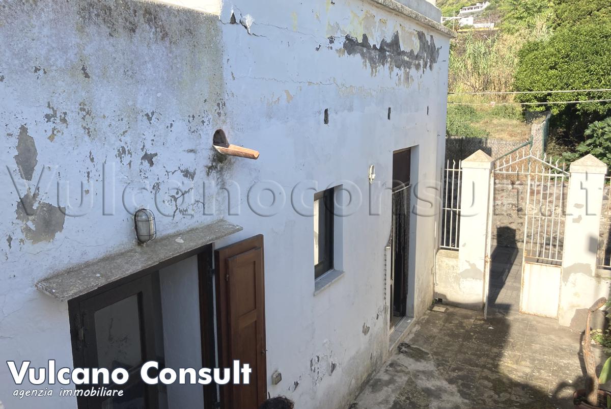 Vendesi casa terrazza solarium Salina