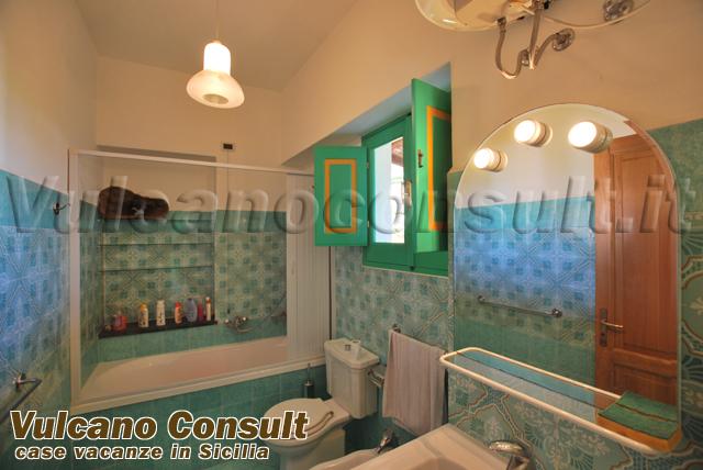 Villa on two levels to sell in Santa Marina Salina