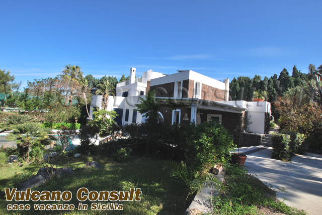 Villa con piscina Vulcanello Vulcano da 700