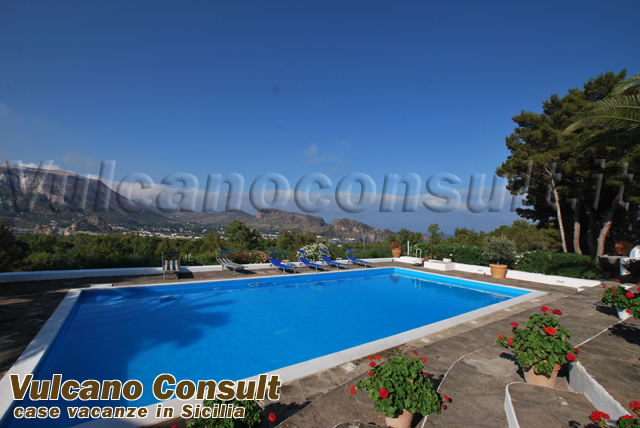 Villa dei sogni con piscina vulcanello vulcano 12 persons - Villa dei sogni piscina ...