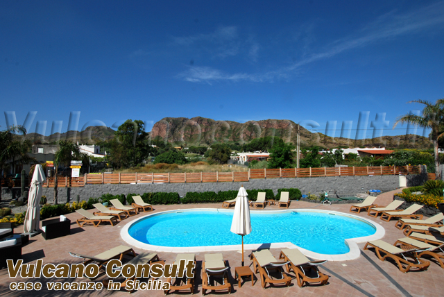 Appartamenti mare in residence vulcano id595 for Mare o piscina